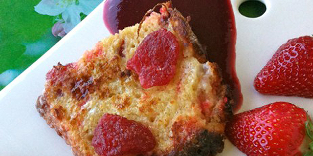 Pain brioché fraises-pralines cuisson en cocotte