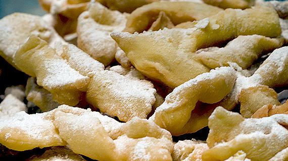 Bugnes et beignets, gourmandises de Mardi Gras