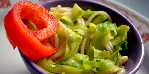 Comment faire manger des légumes aux enfants acte 5 : les tagliatelles de courgette