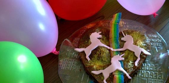 Licornes, tresses et canicule : quand ta fête d'anniversaire ne ressemble pas à des clichés Instagram
